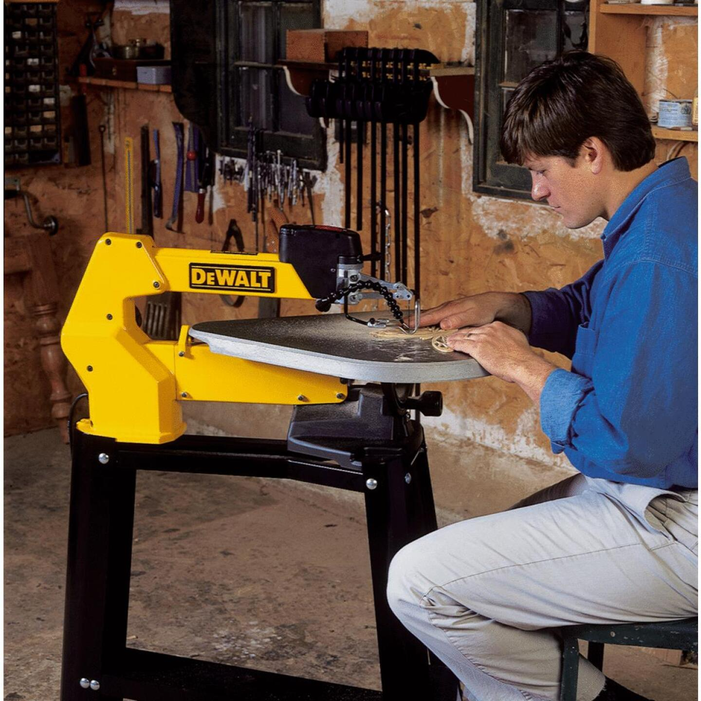 DeWalt 20 In. Scroll Saw Image 2