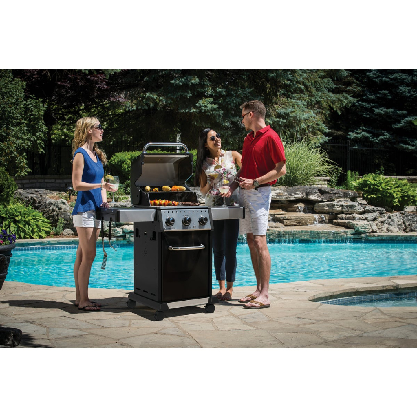 Broil King Baron 320 Pro 3-Burner Black 32,000 BTU LP Gas Grill Image 2